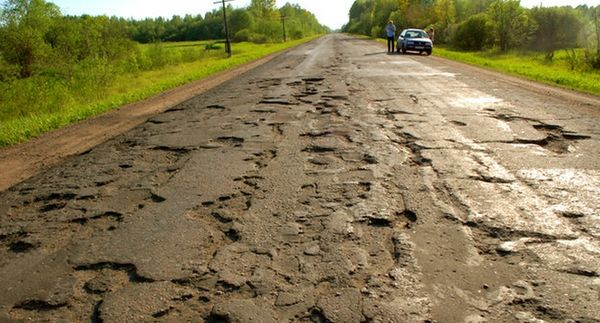 Путин пообещал ускорить принятие закона о требованиях к гарантийным срокам автодорог и возмутился тарифами на трассе М11