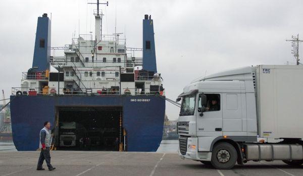 Минтранс РФ предложил сократить число разрешений на автоперевозки с Турцией в четыре раза