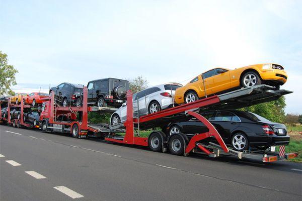 Импорт легковых автомобилей в Россию в 2015 году сократился вдвое