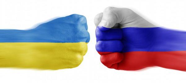 Украина согласилась с предложением РФ возобновить автоперевозки с 25 февраля 2016 года