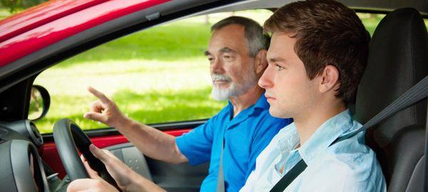 В Москве навыки вождения автомобилей предлагают преподавать учащимся школ и колледжей