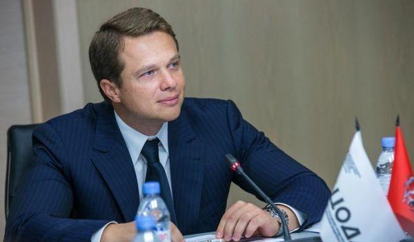 В прямом эфире «ВКонтакте» Максим Ликсутов рассказал о велодорожках, деньгах, парковках и ДТП