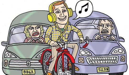 В Государственной Думе предлагают ввести запрет для велосипедистов на езду в наушниках по автодорогам