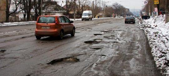 Владимира Путина удивило, что деньги на ремонт дорог в регионах расходуются не по назначению