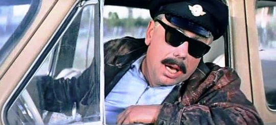 ГИБДД сообщила о таксистах-наркодельцах и торговцах оружием