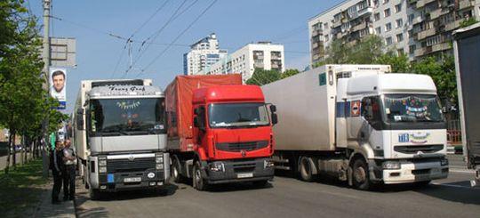 Грузовикам в Москве запретят ездить по жилым кварталам