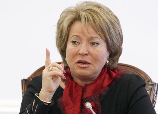 Матвиенко напомнила Путину о задержках трансфертов на ремонт дорог