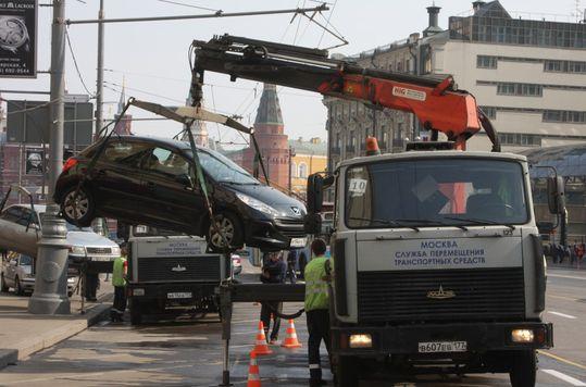Депутаты предложили выплачивать водителям тройную компенсацию за незаконную эвакуацию