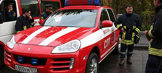 Счетная палата посоветовала МЧС закупать «менее роскошные» автомобили