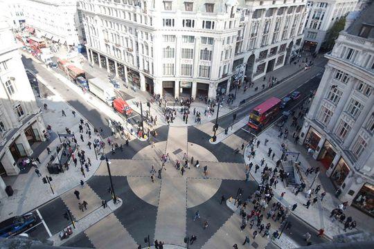 Рзаметка «зебра» в Лондоне Оксфорд-стрит и Риджент-стрит