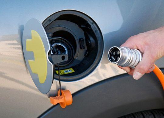 Термин «электромобиль» может войти в Правила дорожного движения