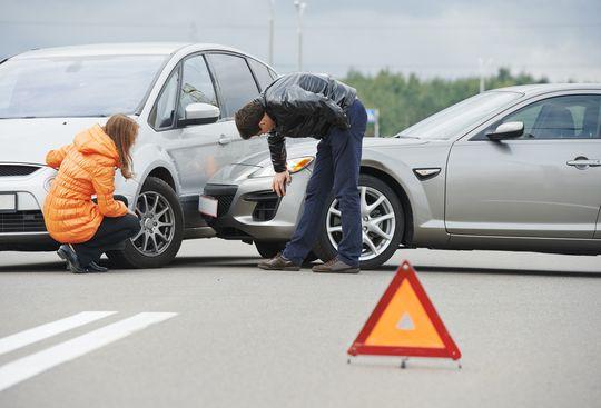 Верховный Суд объяснил, что гражданин, покупающий б/у автомобиль, обязан приобретать новый полис ОСАГО во всех случаях