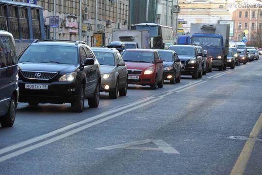 Машинам со знаком «Инвалид» могут разрешить проезд по выделенной полосе