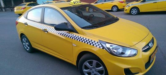 Какие автомобили пользуются популярностью в службах такси