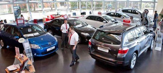 Минпромторг: госпрограммы дают половину спроса на новые машины