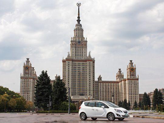В МГУ попросили помощи у ГИБДД в борьбе со стритрейсерами