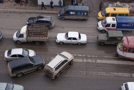 МВД: Более 4 тысяч водителей за год получают по 100 и более штрафов