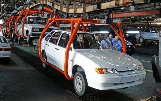 Объем экспорта российских автомобилей хотят удвоить в 2017 году