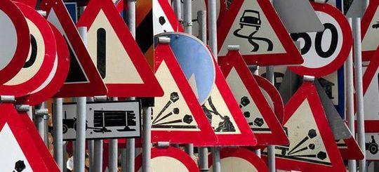 В России будет разработана серия новых стандартов по дорогам и знакам