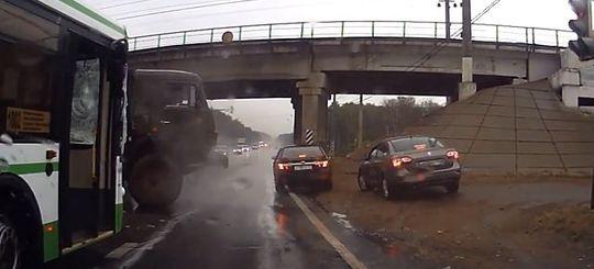 ГИБДД сможет привлечь нарушителей к ответственности по видеозаписям водителей или пешеходов