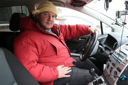 Новое дело водителя с дуршлагом на голове: приставы ищут Андрея Филина из-за неуплаченного штрафа