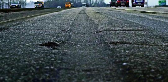 На российских дорогах появилось покрытие против колеи