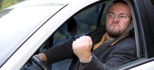 Фигурантам уголовных дел запретят садиться за руль