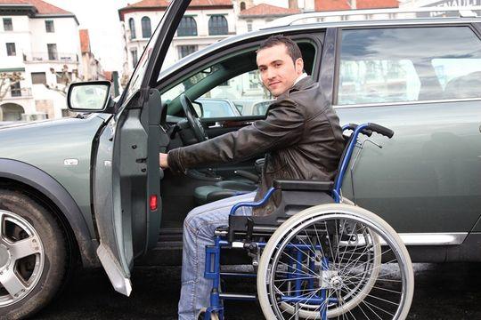 РСА: инвалиды имеют право на скидку по ОСАГО в размере 50%