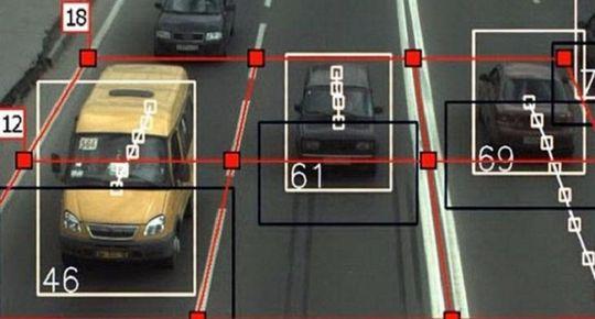 Ошибки камер, штрафы, ОСАГО, перевозка детей — советы юристов водителям