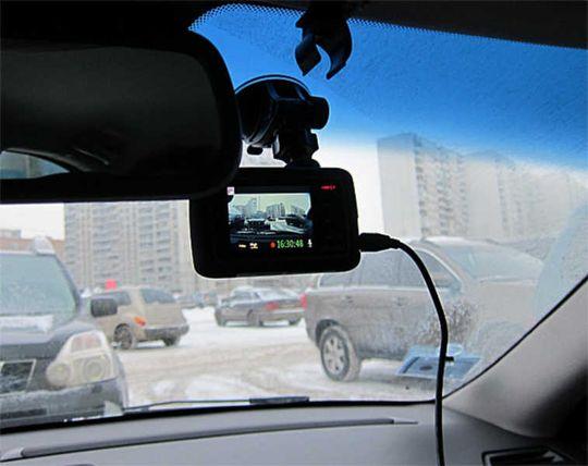 Штрафовать за снятые на мобильный или регистратор нарушения ПДД будут сразу же после получения видео