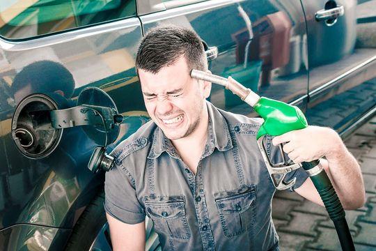 А цены растут: бензин и дизель снова подорожали