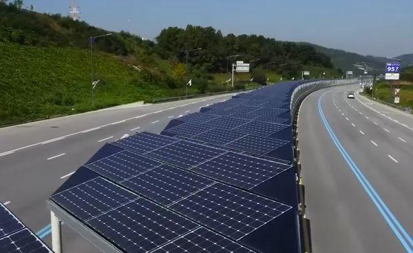Во Франции построят дорогу из солнечных панелей