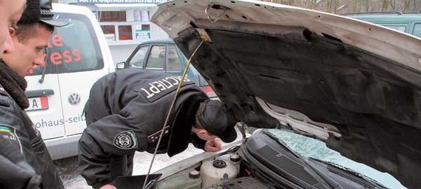 ГИБДД будет ставить на учет машины с перебитыми номерами