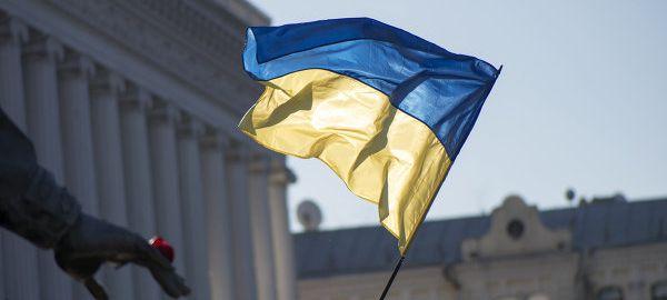 Украинские дальнобойщики недовольны запретом проезда фур по России и устроили забастовку