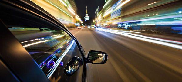 Члены Совета Федерации предлагают ограничить скорость движения автомобилей в городах