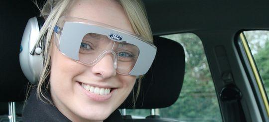 В автошколах появятся имитирующие алкогольное опьянение очки