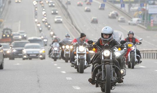 Мотоциклистов будут штрафовать на 10 000 рублей за превышение звуковых норм