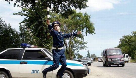 Россияне поставили «троечку» за работу инспекторов ГИБДД