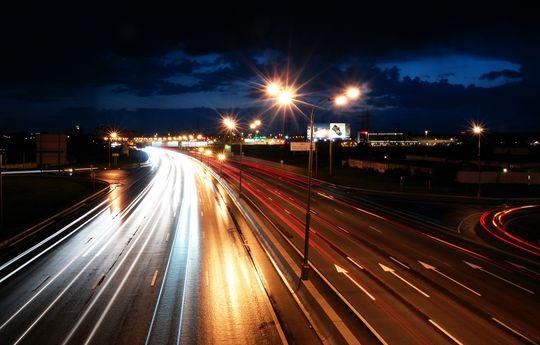 Аварийность на МКАД будет снижена за счет особого освещения