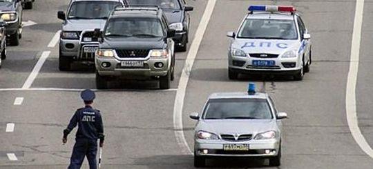В Госдуме одобрила перекрытие дорог для проезда кортежей и право водителей использовать неэкологичный и шумный транспорт
