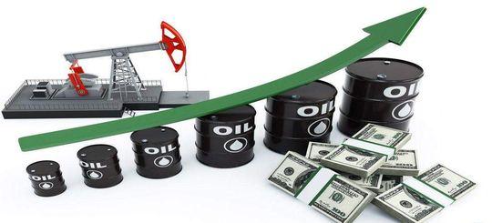 Вслед за подорожанием нефти начал дорожать бензин