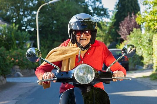 В России хотят выпускать скутеры для пенсионеров