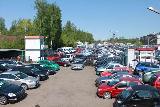 Продажи автомобилей с пробегом в России выросли