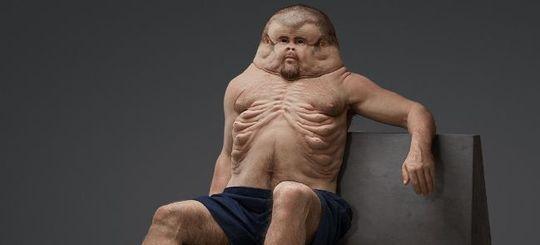 Австралийская художница Патриция Пиччинини создала манекен человека, тело которого идеально приспособлено для выживания в ДТП.