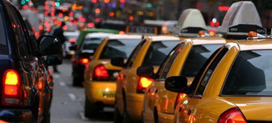 Дептранс: штрафы для легальных подмосковных такси за проезд по «выделенкам» вне сферы компетенции ведомства