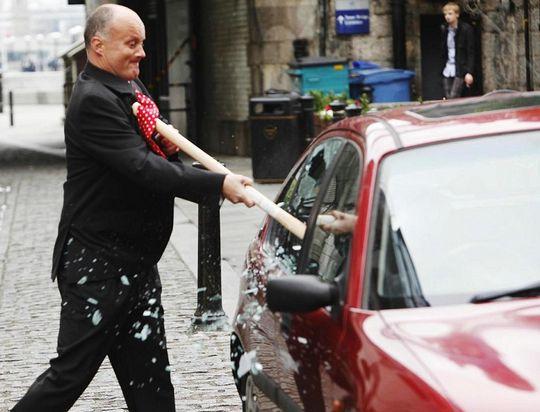 На платных парковках автомобилистов поджидают мошенники