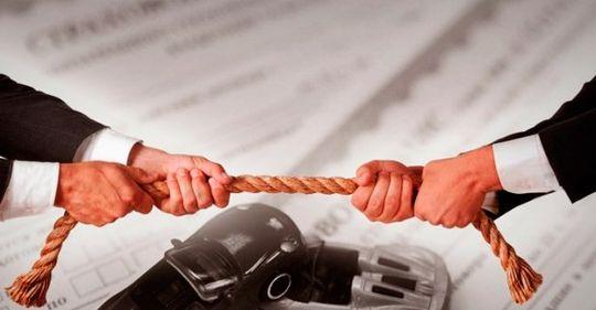 Эксперты критикуют идею повысить стоимость ОСАГО для лихачей и штраф за езду без полиса