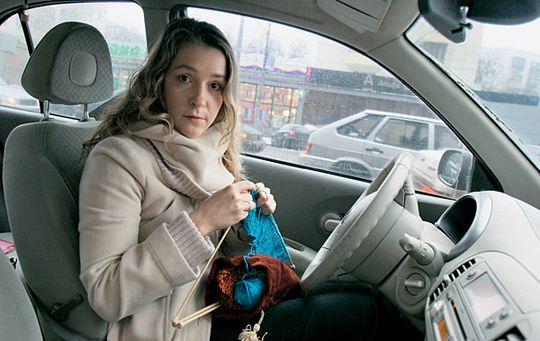 Чем занимаются автомобилисты Москвы в пробках