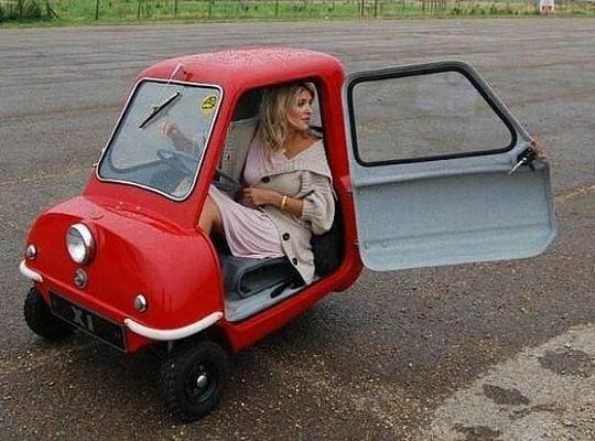 Лишь каждая пятая российская семья может позволить себе новую машину