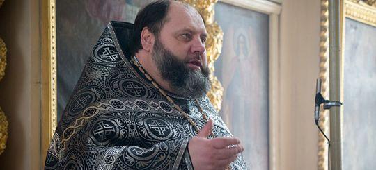 Попавшийся на пьяном вождении священник из Орловской области продолжает водить авто